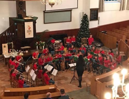 Het kinder- en jeugdorkest werken mee aan kinderkerstfeest in de van Dedemkerk