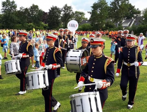 Intocht Avond4daagse m.m.v. Marching- & Showband Jubal